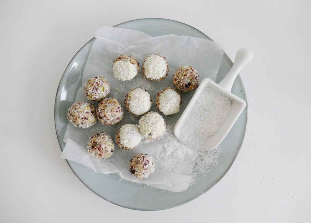 cranberry pistache bliss balls