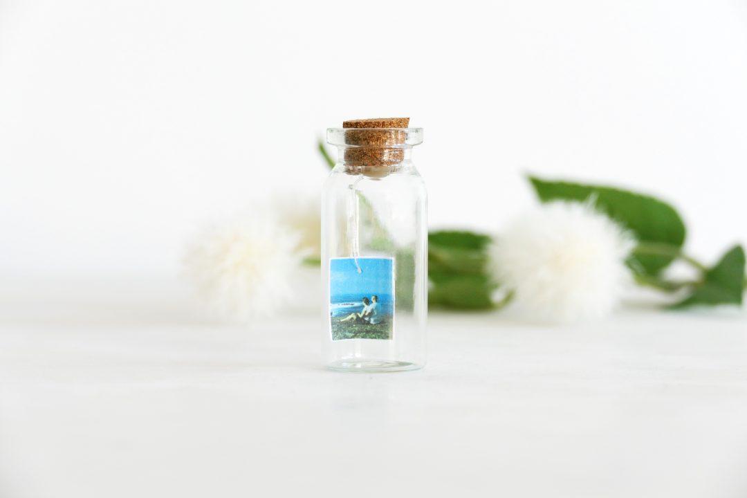 foto in een mini flesje