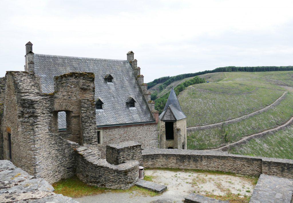 Kastelen van Luxemburg. Kasteel van Bourscheid