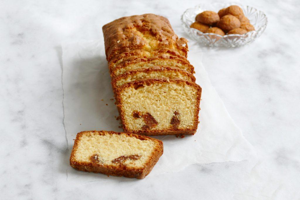 Vanille cake met bitterkoekjes