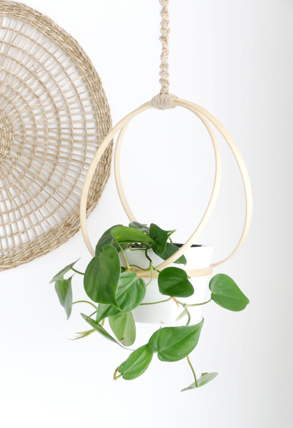 Plantenhanger van borduurringen