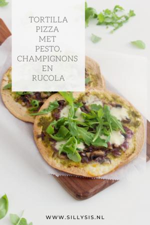 Recept: Tortilla pizza met pesto, champignons en rucola. Lekker, gezond en makkelijk.