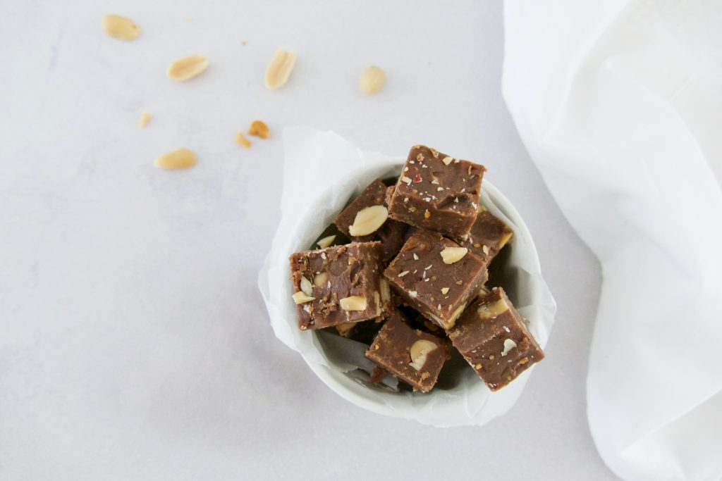 Chocolade fudge met pindakaas