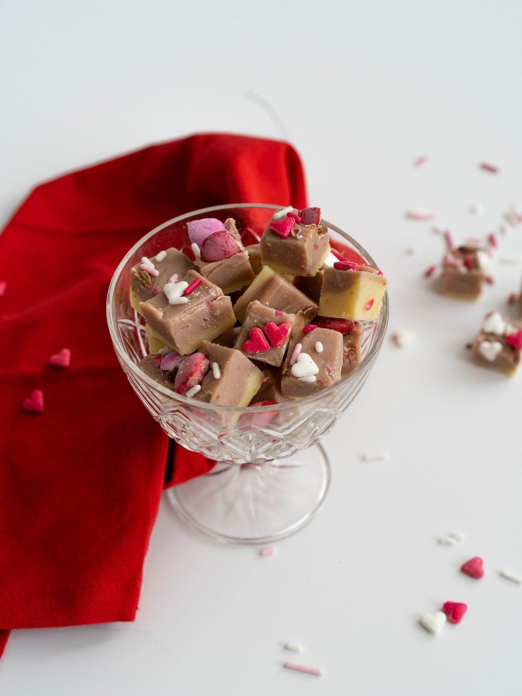 Fudge voor valentijnsdag met ruby chocolade