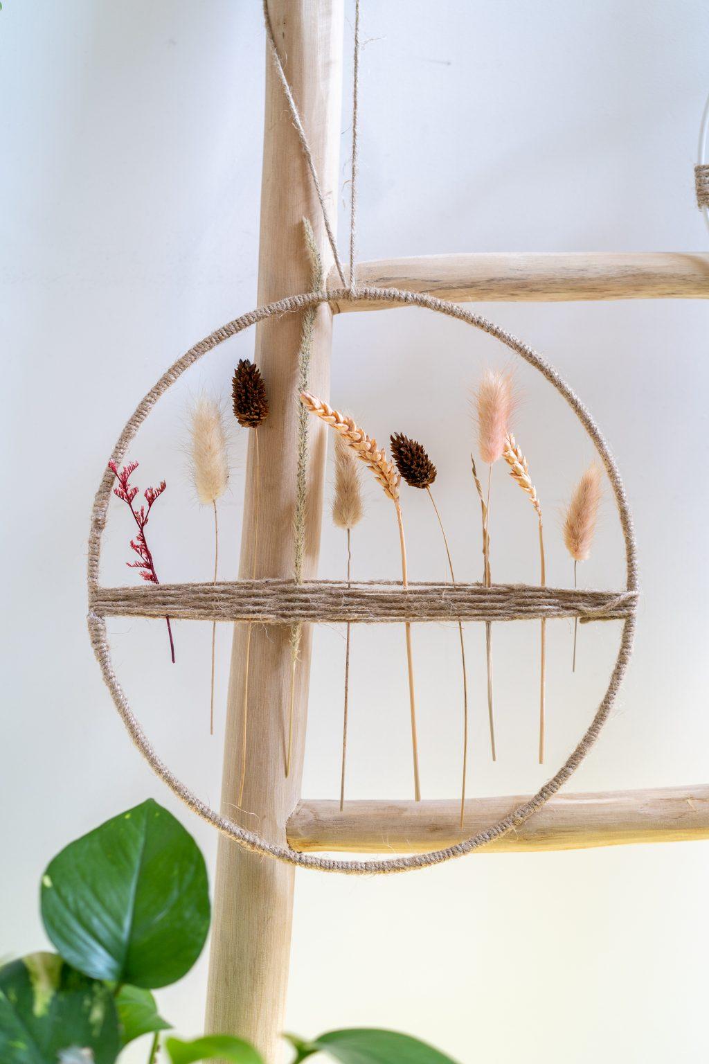 DIY projecten in mijn interieur: Wandhanger met droogbloemen