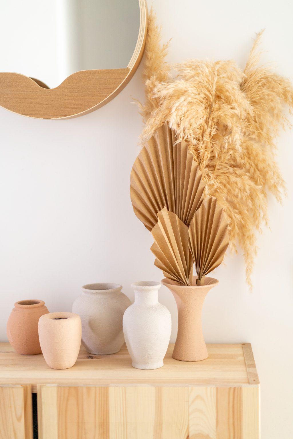 DIY projecten in mijn interieur: palmbladeren van papier in terracotta vaasjes